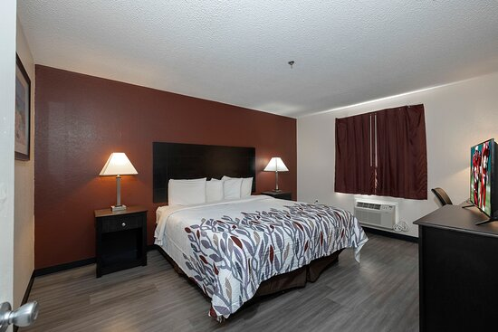 Red Roof Inn & Suites Pensacola - NAS Corry: Suite