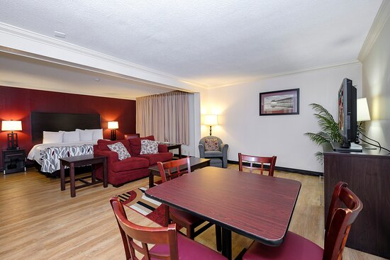 Red Roof Inn & Suites Jacksonville, NC