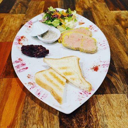 L'équipe du Palais vous propose notre foie gras Maison... Un délice!