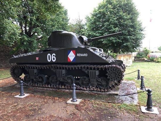 """M4A4 Sherman """"Renard"""""""