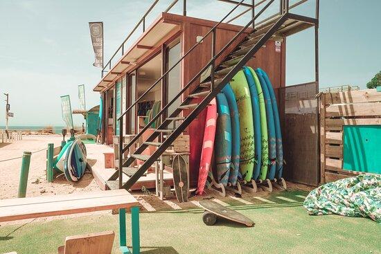 TAKE Surf School , Escuela de Surf El Palmar