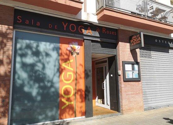 Yoga Roses (sala De Yoga De Roses)