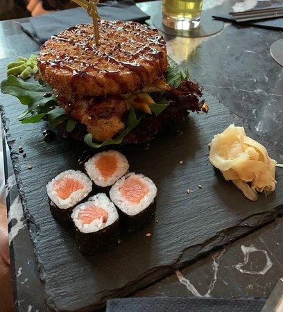 Sushi-Burger mit Tunfisch