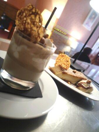 Copa de café con Bailey's y pudding de Bailey's