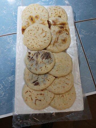 Nindiri, Nicaragua: 100% pupusas comida legitima salvadoreña