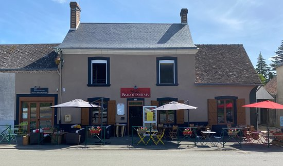 Conflans-sur-Anille, Ranska: Terrasse