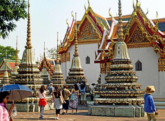 معبد بوذا المتكئ (وات فو)