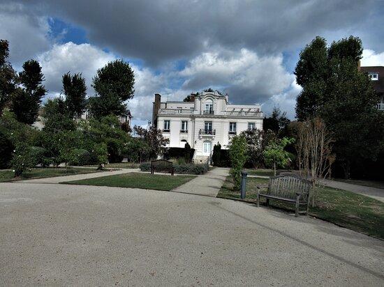 Jardin De La Villa Du Lac