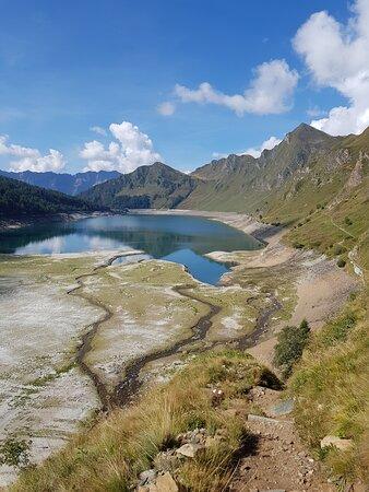 Piotta, Ελβετία: Dopo una stupenda passeggiata seguendo il sentiero didattico...
