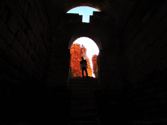 Takab, إيران: One of Takht-e Soleyman ancient halls