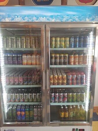 Newport, NH: Huge craft beer selection