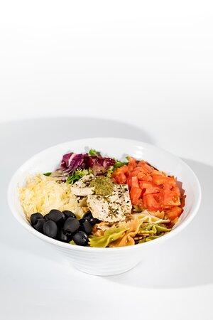 VEGETARIANOS!! PACIFIC🥗31 es vuestro sitio!!!   Ensalada de Pasta con Tofu. La calor no se ha marchado aún, que mejor para comenzar la cena con una ensalada fresca y con ingredientes de nuestra tierra.   VEGETARIANOS!! Venid a PACIFIC🥗31!!!