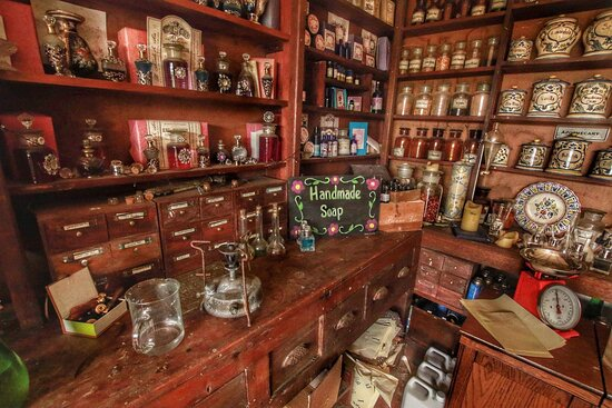 Lostwithiel, UK: The Apothecary at Green Cart Farm