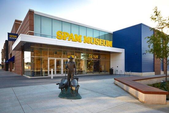 Austin, MN: SPAM Museum exterior