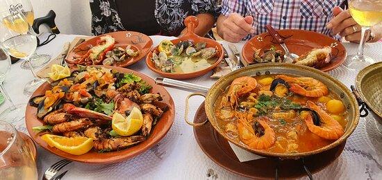 Marisqueira (medium size!) and Pork + Seafood Cataplana