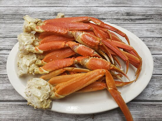 ‪‪Graniteville‬, ساوث كارولينا: Try our ready to dip in some tasty butter, snow crab legs. They come in 1 and 2 pound sizes.  Have then alone or add 2 sides and make a complete meal.  I promise you want regret the flavor to savor.‬