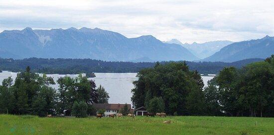 Seehausen am Staffelsee, Saksa: Staffelsee - von Uffing aus gesehen - mit Heimgarten, Ettaler Mandl und Wettersteingebirge