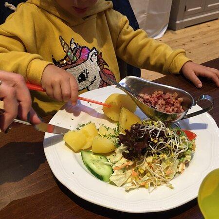 Toller Service und gutes Essen auch für Kinder!