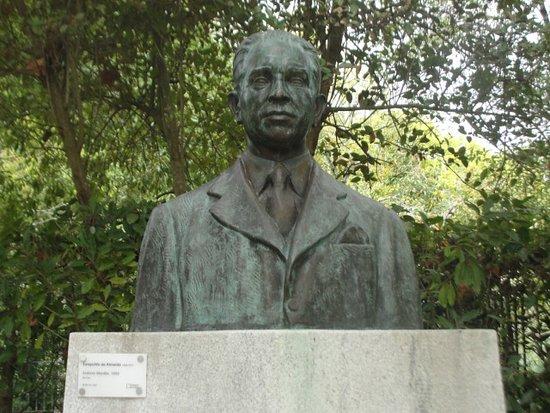 Busto de Antonio Montez