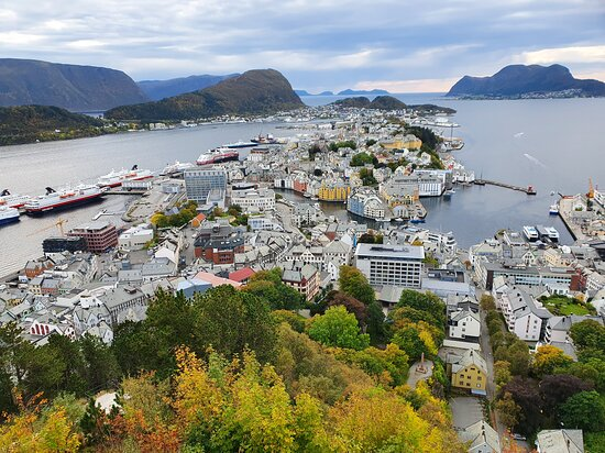 Alesund, Norway: The traditional view over Ålesund - Perfect.