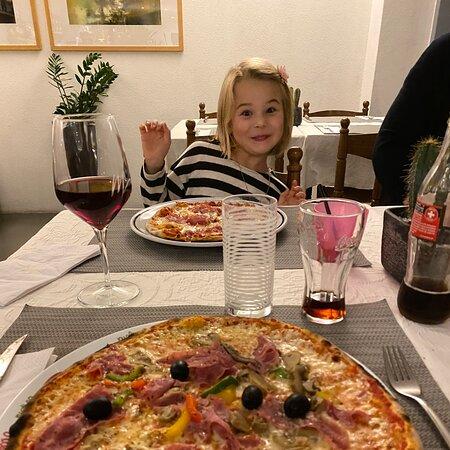Leckere Pizzas & nette Bedienung.