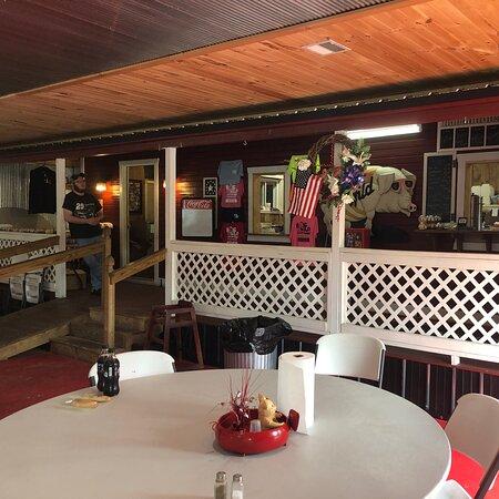 Tompkinsville, KY: Inside the restaurant