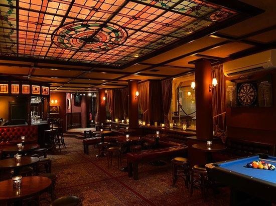 Lloyds Pub