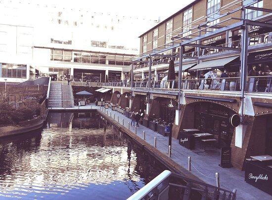 AC Hotel by Marriott Birmingham is situated in the heart of Mailbox complex surrounded by restaurants and bars, with canal views.