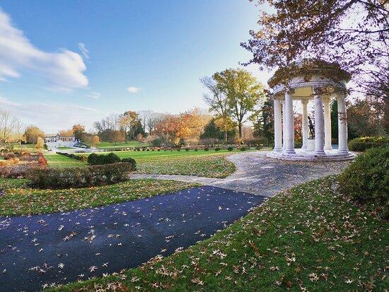 Wilmington, DE: Autumn at the Estate