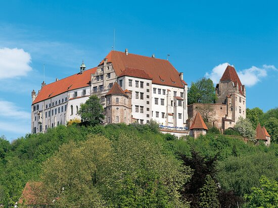 Trausnitz Castle with Chamber of Art and Curiosities