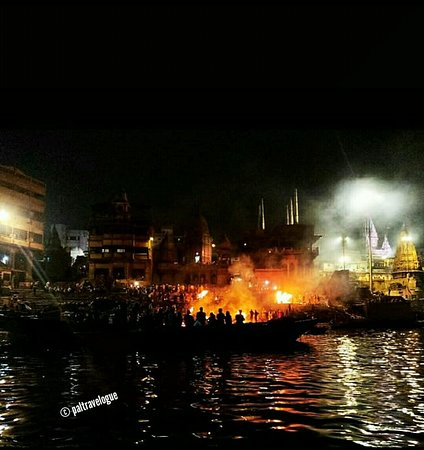 Cremation takes place 24x7 at Manikarnika Ghat ..... It's going on over centuries !