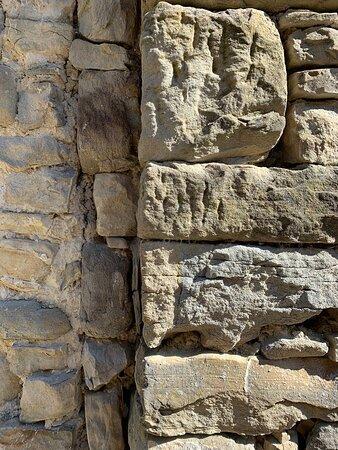 Le caratteristiche murature in pietra serena