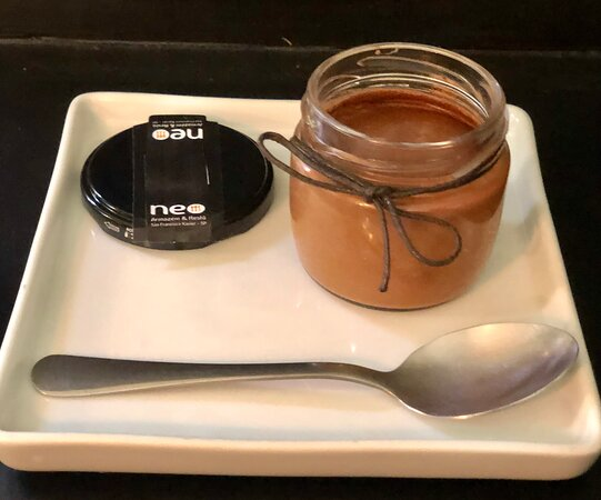 Mousse de chocolate belga, leite de amêndoas e wisky