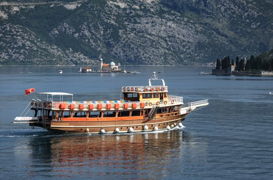 Sailing Montenegro by Ship Knez Lipovac