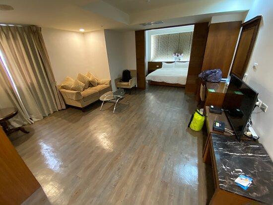 Pingtung Donggang Tapeng Bay Holiday Hotel: 720超大的雙人套房