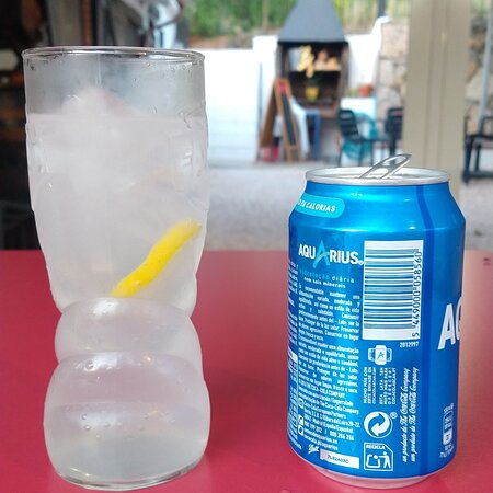 El Rebost de la Nuri is a bar/restaurant located in the surroundings of Masboquera, a little town in Tarragona Region.