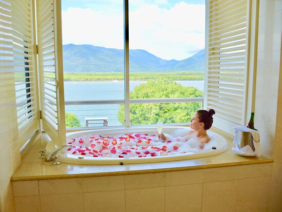 Junior suite* some view may vary – Pullman Reef Hotel Casino, Cairns fényképe - Tripadvisor