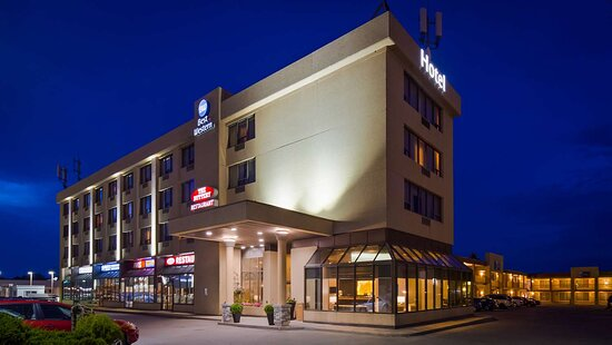 Best Western Voyageur Place Hotel, Hotels in Georgina