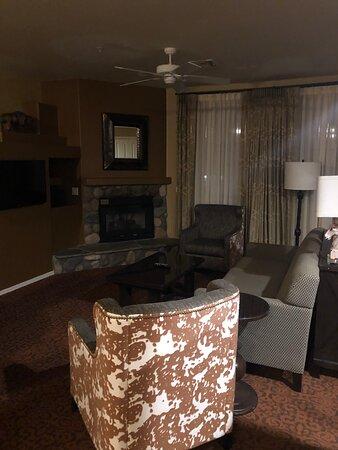 Overgaard, AZ: Living Room