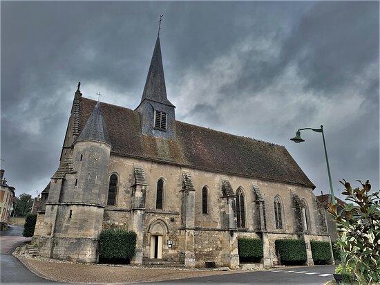Eglise À Alligny-cosne