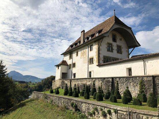 Le Chateau De Corbieres