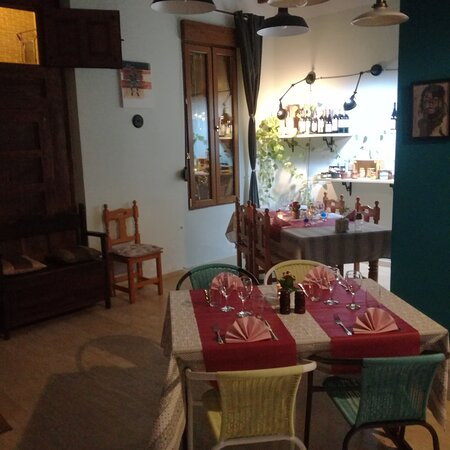 Nice, cosy restaurant to visit in Busot village, Alicante. With its French and Italian cuisine and it's renewed menu every week, it really invites you to just enjoy the moment.  Very atypical restaurant in a great village, you are warmly welcomed and looked after.  Take care of yourself.