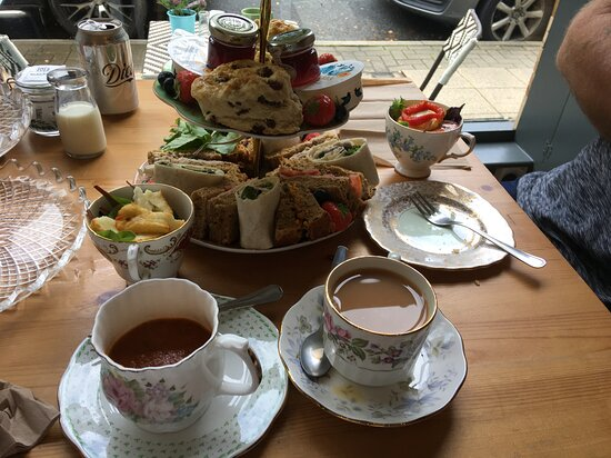 Earby, UK: Afternoon Tea