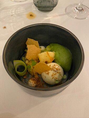 Dessert : Fris dessert rond appel amandel - zuring - vanille