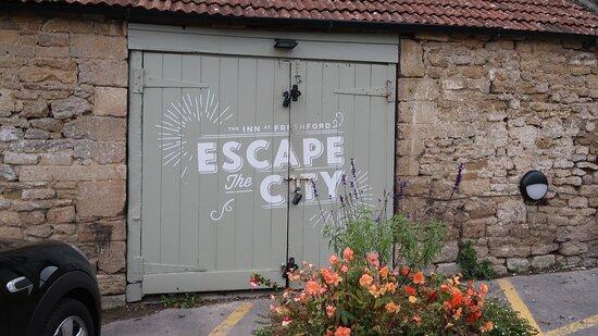 Freshford, UK: Escape the City - outbuilding doors