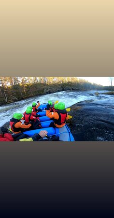 Ruka, Finlandiya: Koskenlaskua kuusamossa