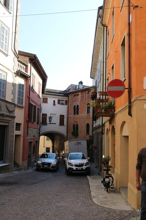 Porta di Monteguzzo