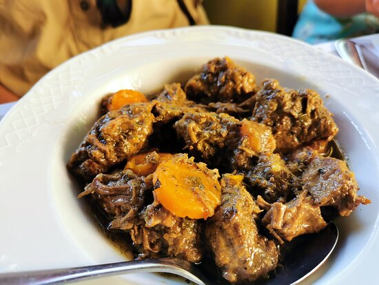 Beef with carrots and lemon sauce