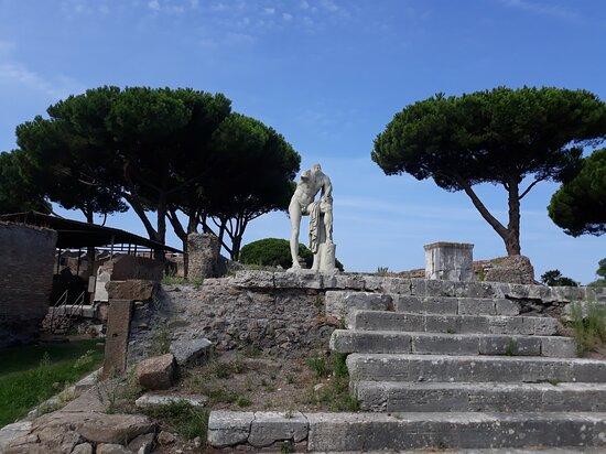 Tempio Di Ercole (ostia Antica )