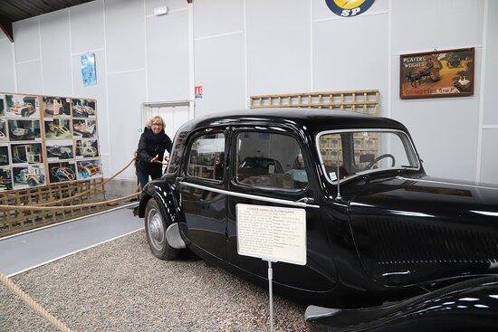 Bellenaves, فرنسا: heb ook een foto waar ik als kind van 5 de wagen duw